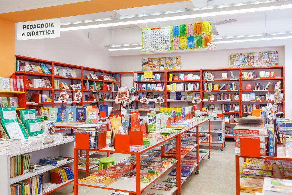 Scaffale Libri Per Bambini : Librerie per camerette le migliori idee di design per la casa